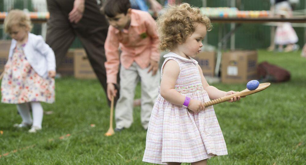 Beyaz Saray'ın bahçesindeki Paskalya kutlamasına yüzlerce çocuk katıldı.