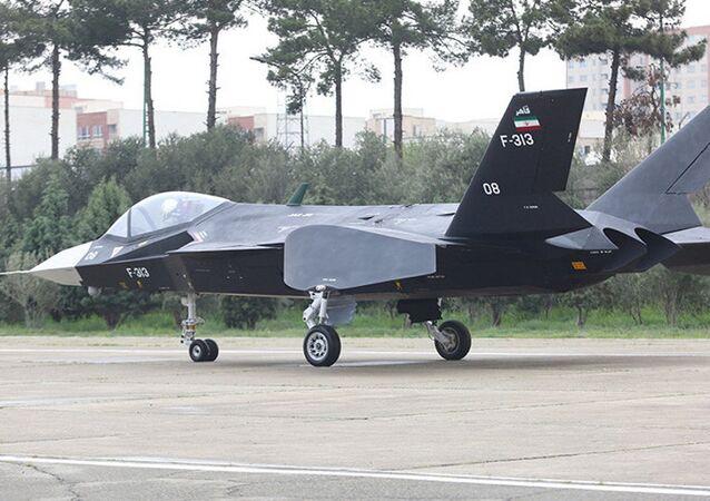 İran jet eğitim uçağı Kevser