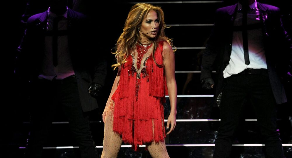 ABD'li ses sanatçısı ve aktris Jennifer Lopez.