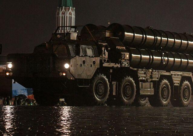 S-400 Triumf hava savunma füze sistemi.