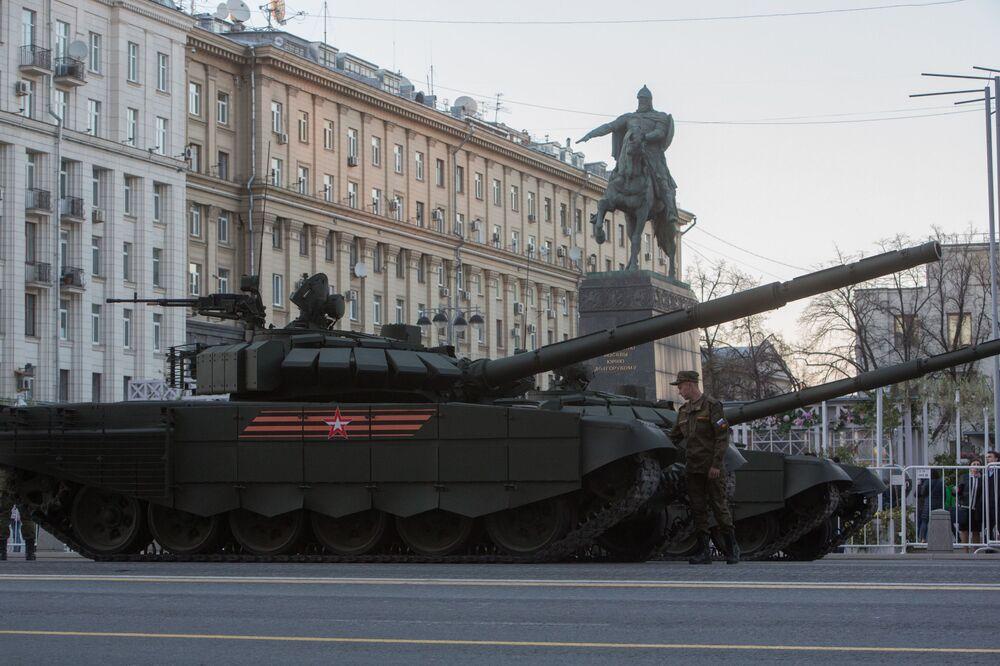 T-72B3 tankları.