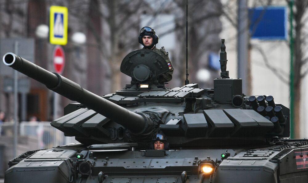 T-72B3 tankı.