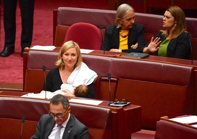 Avustralya'da Senatör Larissa Waters