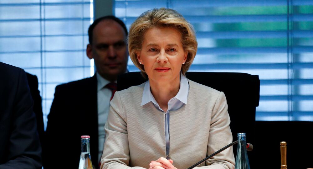 Almanya Savunma Bakanı Ursula von der Leyen