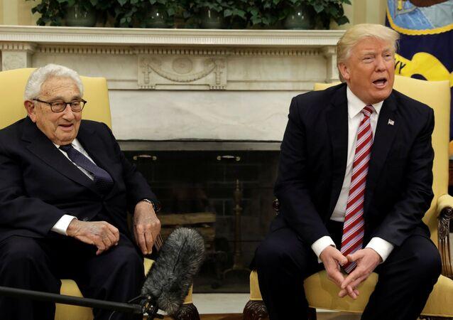 ABD Başkanı Donald Trump - Eski ABD Dışişleri Bakanı Henry Kissinger
