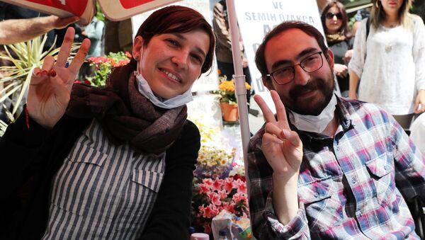 Nuriye Gülmen ve Semih Özakça açlık grevinde - Sputnik Türkiye