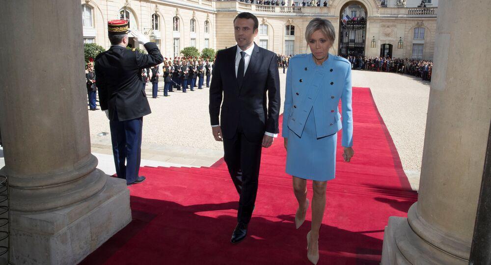 Fransa yeni Cumhurbaşkanı Emmanuel Macron ve eşi Brigitte Trogneux