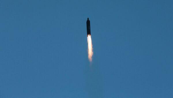 Kuzey Kore yeni füze denemesini gerçekleştirdi - Sputnik Türkiye