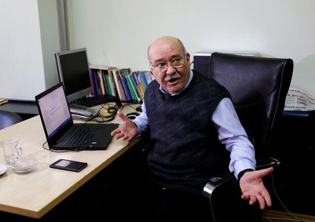 Cumhuriyet gazetesi yazarı Aydın Engin