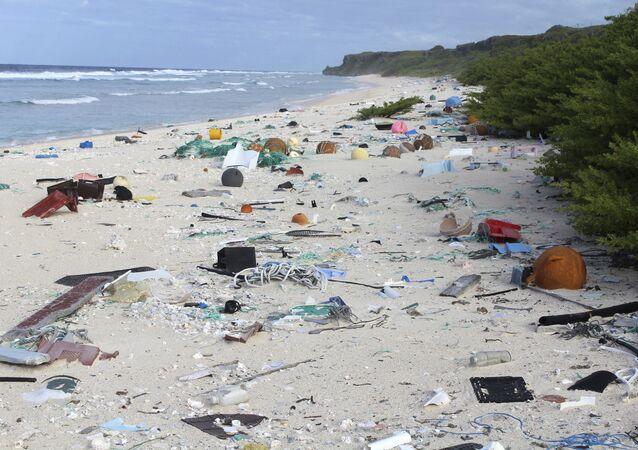 Güney Pasifik'teki Henderson Adası