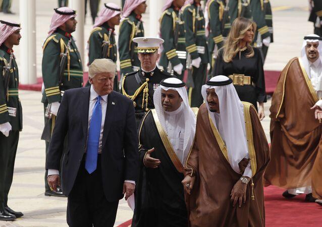 Donald Trump ve Kral Selman Bin Abdülaziz