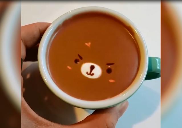 Güney Koreli baristadan birer sanat eseri  gibi görünen kahveler