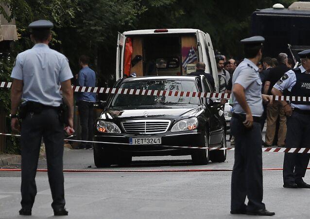 Eski Yunanistan Başbakanı Lukas Papadimos'a bombalı saldırı