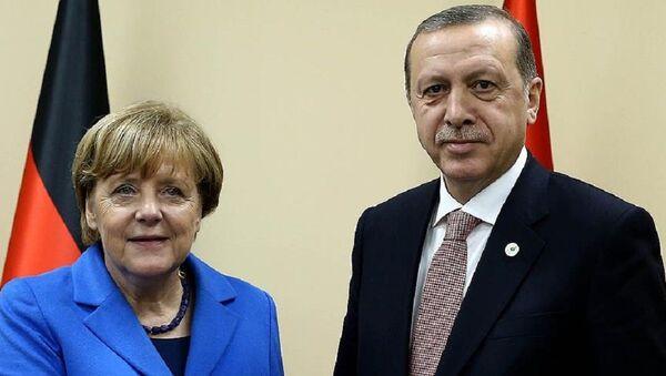 Almanya Başbakanı Angela Merkel ve Cumhurbaşkanı Recep Tayyip Erdoğan - Sputnik Türkiye