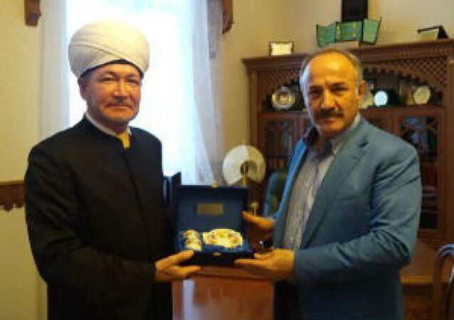 MGK Genel Sekreteri Hacımüftüoğlu, ve Rusya Müftüler Konseyi Başkanı Ravil Gaynutdin