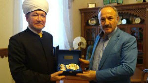 MGK Genel Sekreteri Hacımüftüoğlu, ve Rusya Müftüler Konseyi Başkanı Ravil Gaynutdin - Sputnik Türkiye