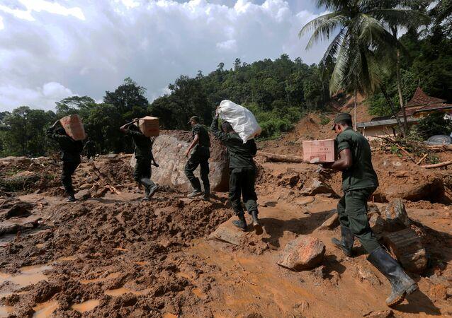 Sri Lanka'da sel ve toprak kayması