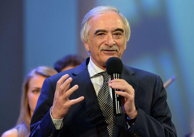 Polad Bülbüloğlu