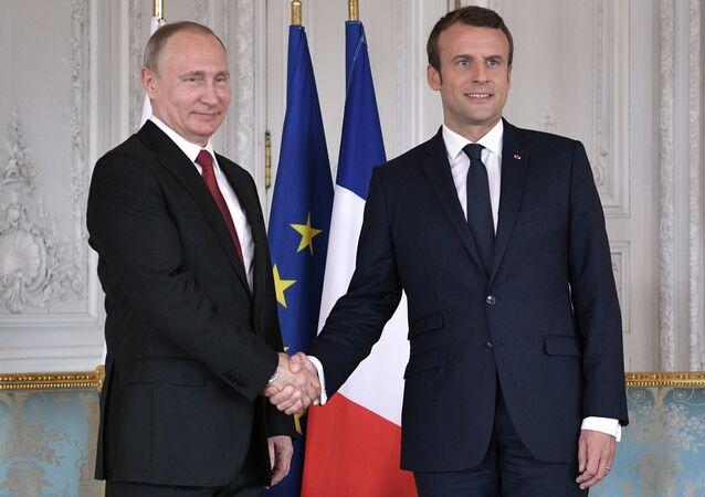 Rusya Devlet Başkanı Vladimir Putin ve Fransa Cumhurbaşkanı Emmanuel Macron