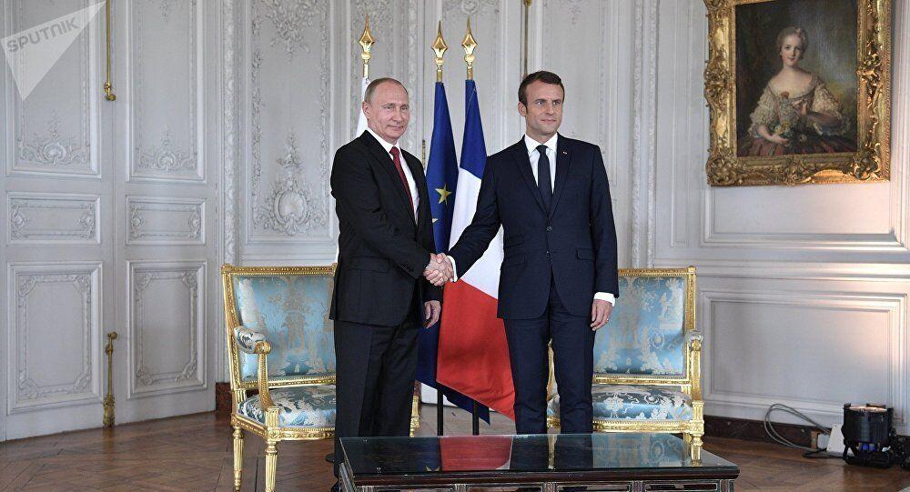 Rusya Devlet Başkanı Vladimir Putin ile Fransa Cumhurbaşkanı Emmanuel Macron