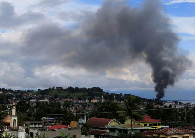Filipinler'in güneyindeki Marawi, Maute tarafından kuşatıldı