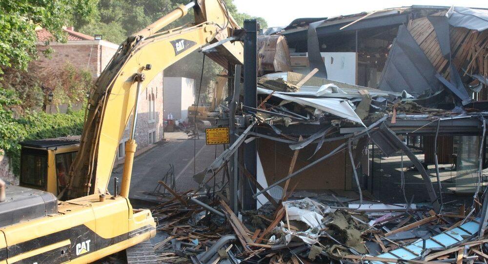 Boğaz'da üçüncü yıkım