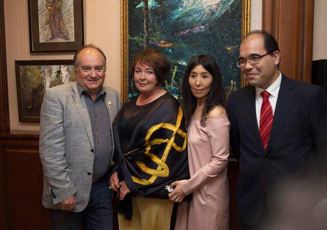 Rus ressam Türkiye'nin Novorossiysk Başkonsolosluğu'nda resim sergisi açtı