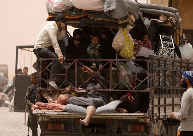 Rakka'yı terk eden siviller