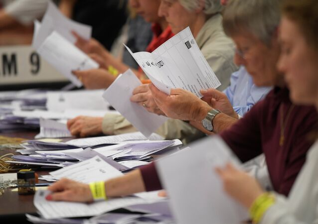 İngiltere'de erken genel seçim