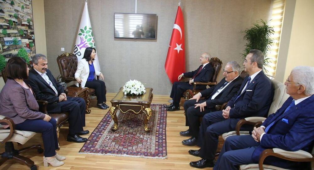 CHP lideri Kemal Kılıçdaroğlu, HDP Genel Merkezi'ni ziyaret etti