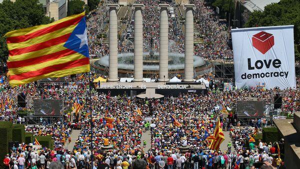 Barcelona'da bağımsızlık referandumu gösterisi - Sputnik Türkiye