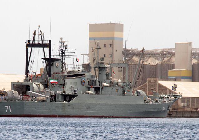 İran askeri gemi