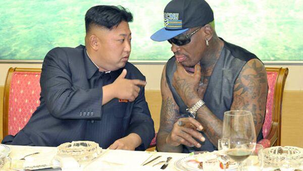 2014'te Rodman, Kim Jong-un'un doğumgünü için eski NBA oyuncuları karması ile Kuzey Koreli basketçiler arasında  bir maç ayarlamıştı. - Sputnik Türkiye