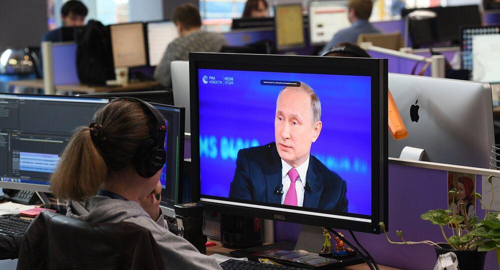 Vladimir Putin'le Direkt Hat.