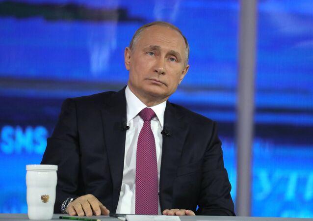 Vladimir Putin'le Direkt Hat
