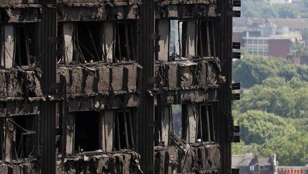Londra'da yanan Grenfell Kulesi - Sputnik Türkiye