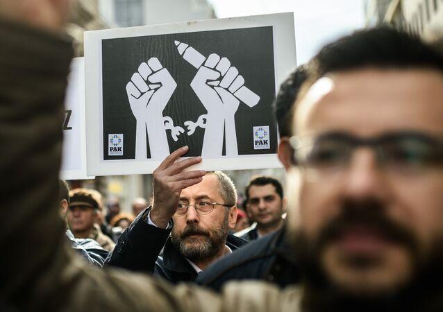 Basın özgürlüğü / Medya / Sansür