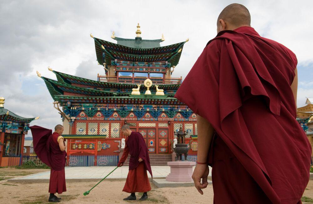 Buryatiya'daki İvolskiy Datsan Budist Tapınağı
