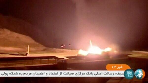 İran, Suriye'deki IŞİD hedeflerini vurdu - Sputnik Türkiye