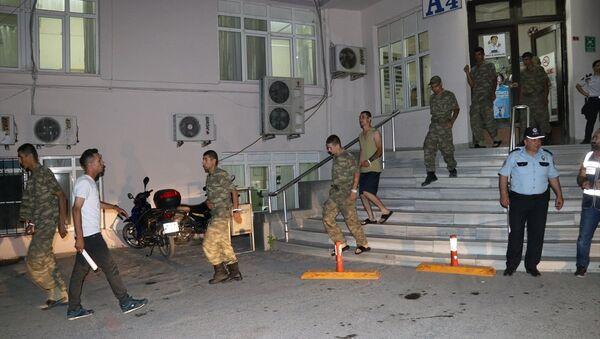 Manisa'da askerlerin zehirlenmesi - Sputnik Türkiye