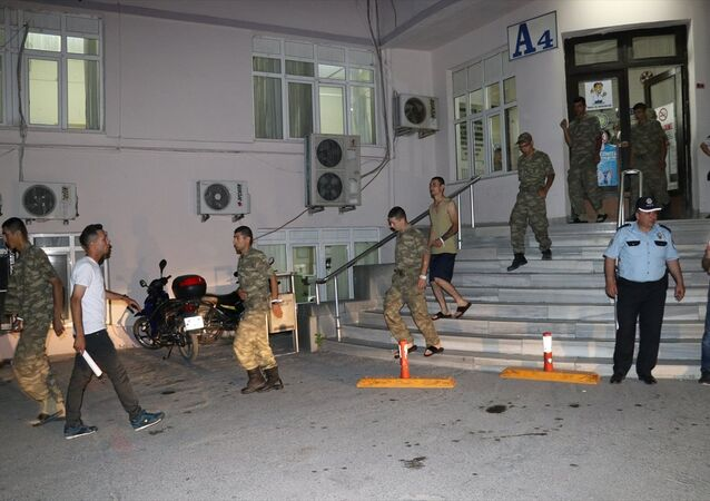 Manisa'da askerlerin zehirlenmesi