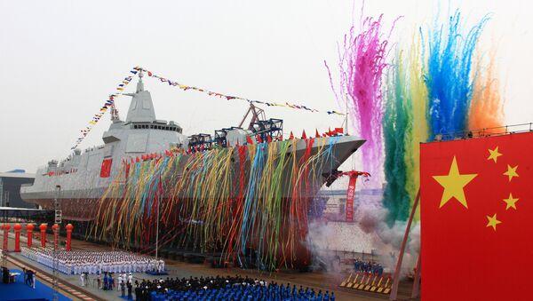 Çin'in yerli tasarım ve üretim yeni nesil destroyeri, ülkenin doğusundaki Şanghay kentinde suya indirildi. Hava ve deniz savunma ekipmanları ile donatılan destroyer, test aşamasına geçti - Sputnik Türkiye