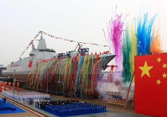Çin'in yerli tasarım ve üretim yeni nesil destroyeri, ülkenin doğusundaki Şanghay kentinde suya indirildi. Hava ve deniz savunma ekipmanları ile donatılan destroyer, test aşamasına geçti