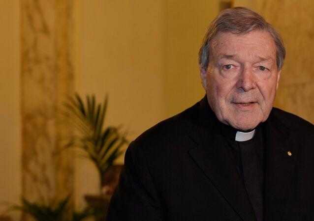 Katolik Kilisesi'nin en üst en üst düzey üçüncü ismi olan Vatikan Hazinedarı Avustralyalı Kardinal George Pell
