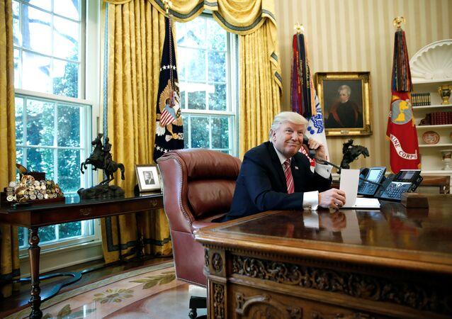 Donald Trump, Leo Varadkar'la telefonda görüştü