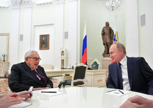 Henry Kissinger- Vladimir Putin