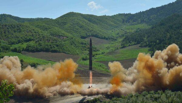 Kuzey Kore'den yeni füze denemesi - Sputnik Türkiye