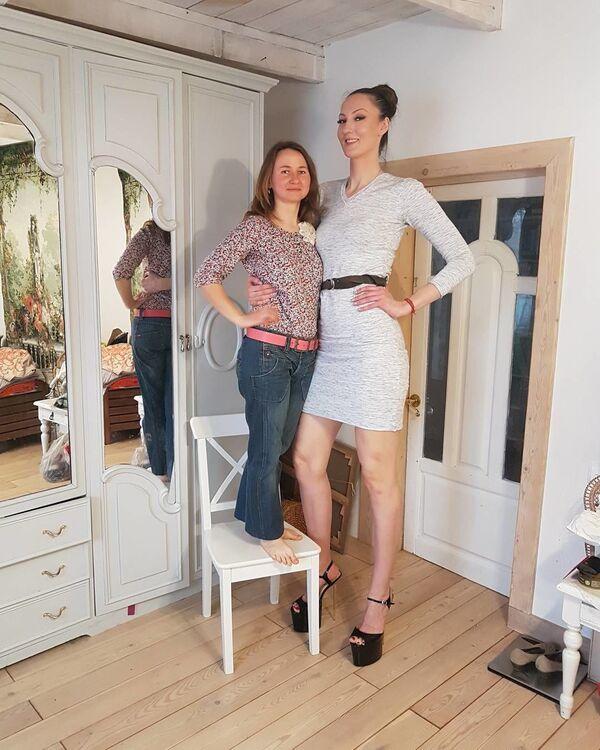 Rusya'nın en uzun boylu kadını Ekaterina Lisina - Sputnik Türkiye