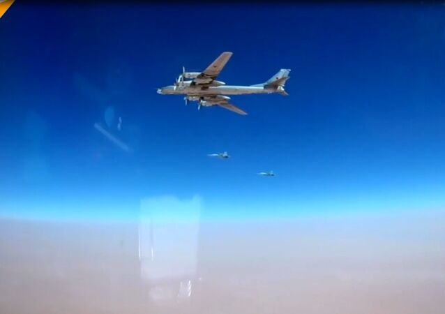 Rus bombardıman uçakları, Suriye'deki IŞİD hedeflerini vurdu