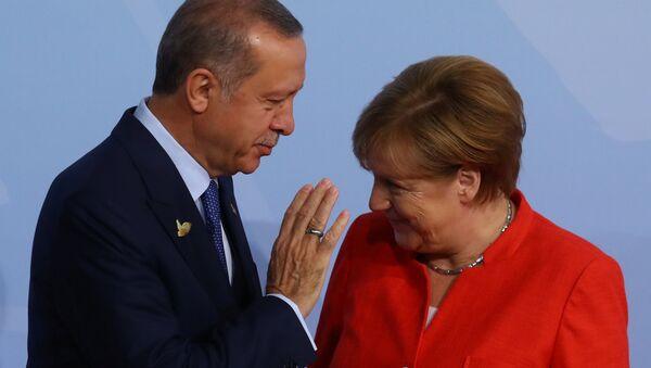 G20 Liderler Zirvesi, Hamburg'da başladı: Angela Merkel ve Recep Tayyip Erdoğan - Sputnik Türkiye